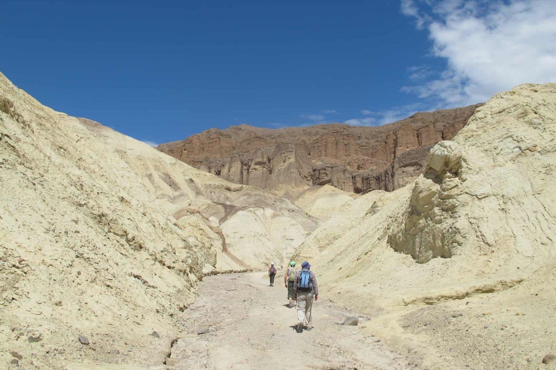 Треккинг к водопаду в пустыне Долина смерти